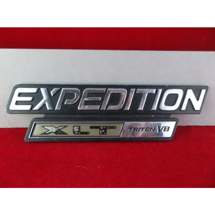 1997 2002 ford expedition xlt triton v8 side fender emblem oem xl14 16b114 aa on ebid united states 175815365 ebid