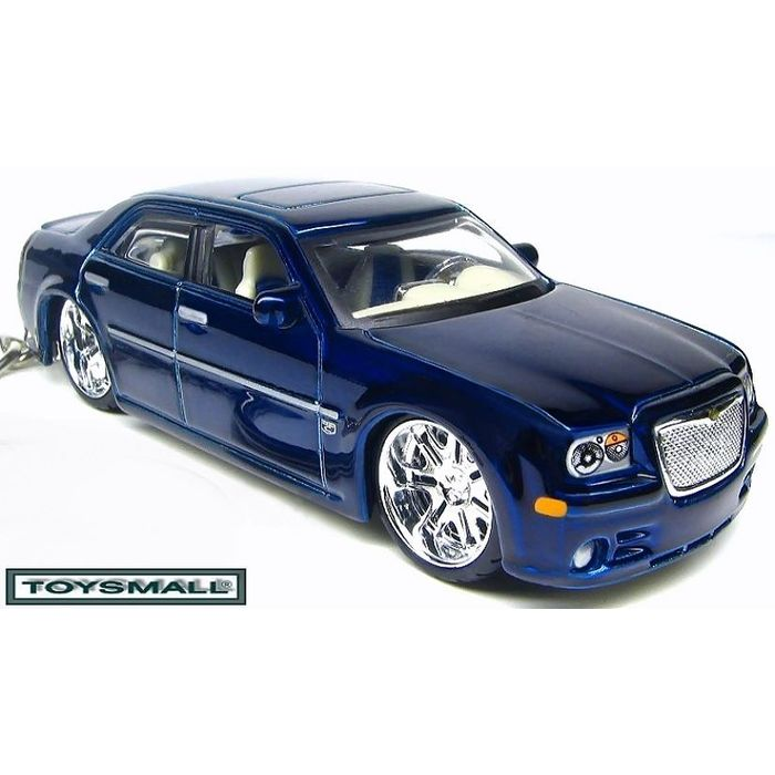 cromado Llavero con logotipo de l/ágrima DanteGTS Chrysler 300C 8,25 cm de largo x 2,54 cm de ancho