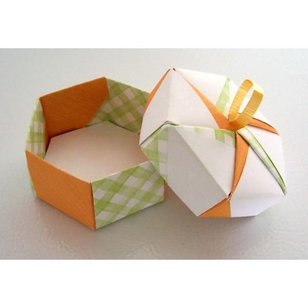 DIY Paper Crafts : Origami Jewelery Box Tutorial : 5 Steps (with ... | 600x600