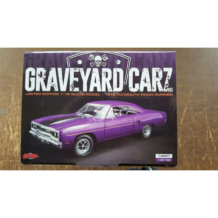 1970 Plymouth Road Runner Purple Graveyard Carz Limited Edition to 732 Pieces Worldwide 1//18 Diecast Model Car by GMP 18897 Season 1,Runnin Down a Dream 2012 TV Series